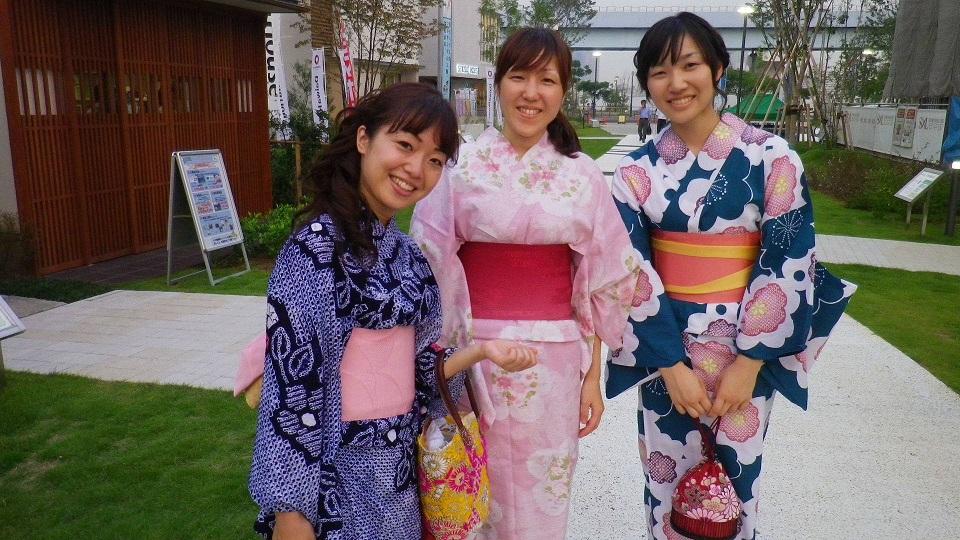 東京湾大華火祭、浴衣女子