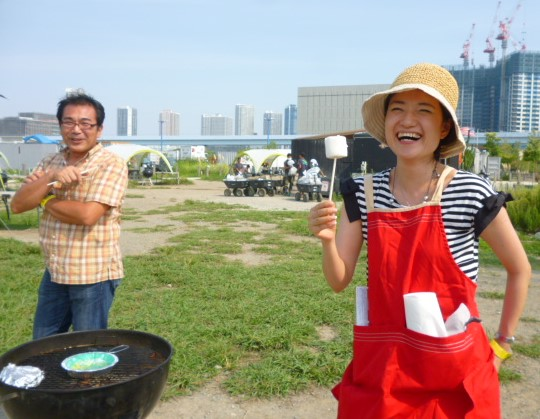 豊洲読書会のイベント、WILDMAGICでのバーベキュー、デザートは焼きマシュマロ。