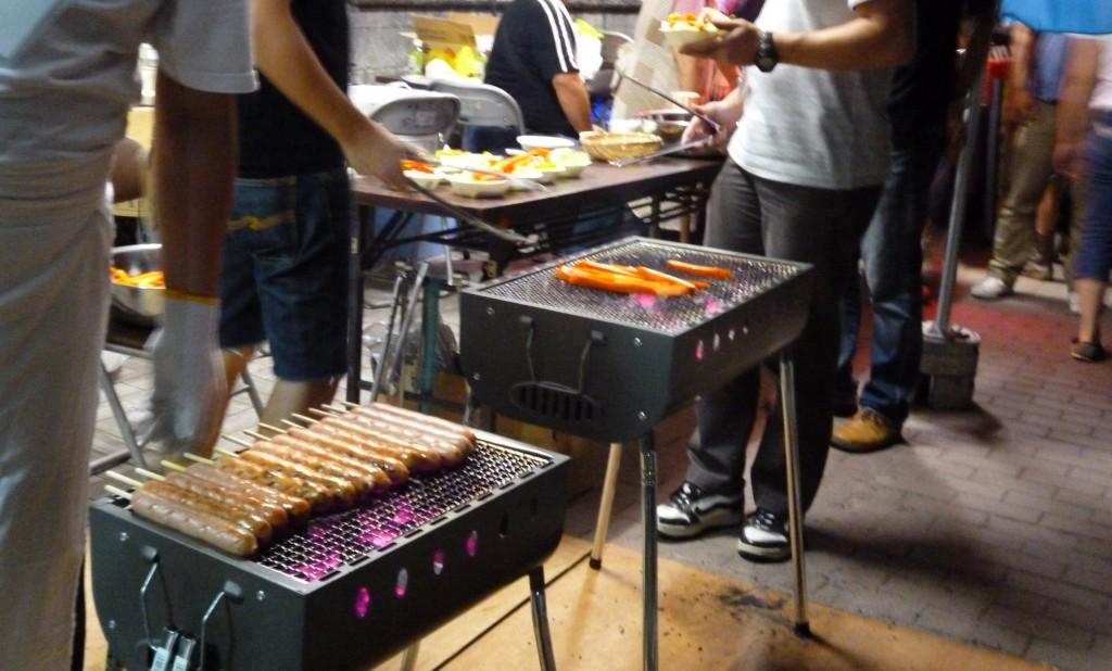 豊洲水彩祭りではフランクフルトも焼いていました。