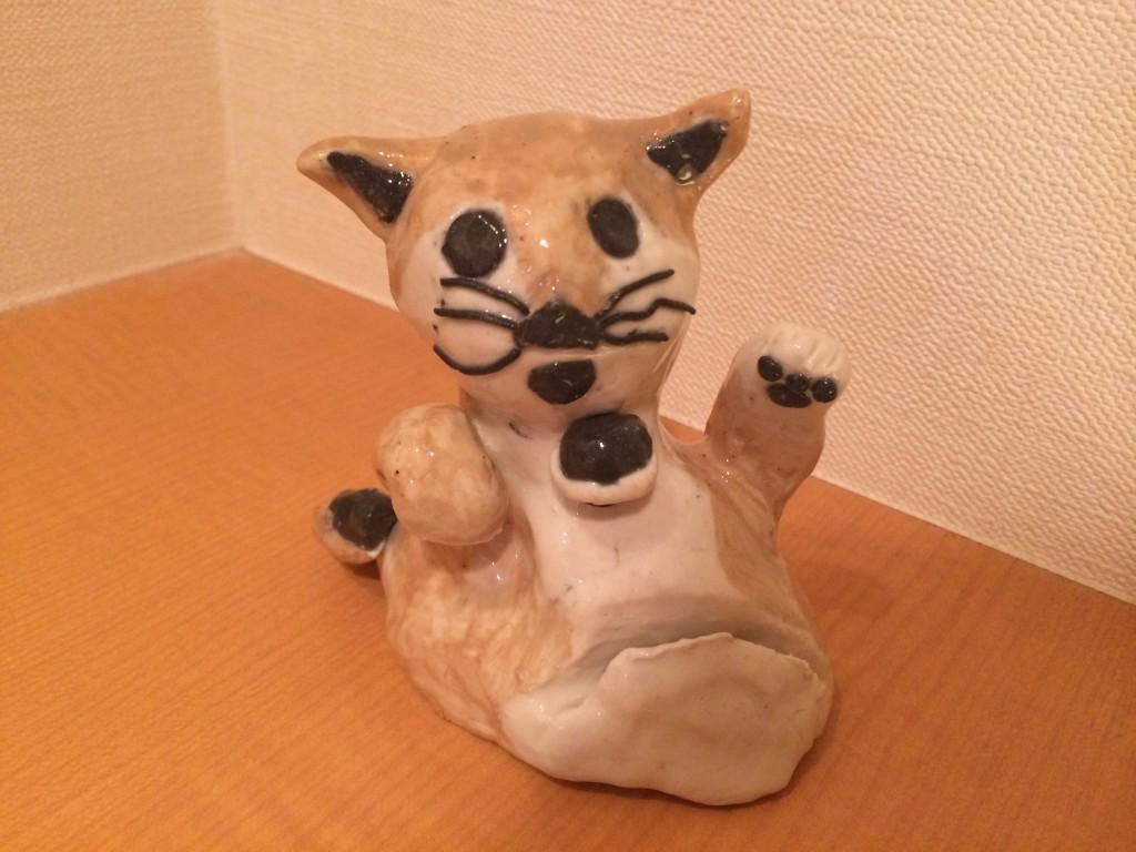 豊洲読書会での猫の置物コタローちゃん