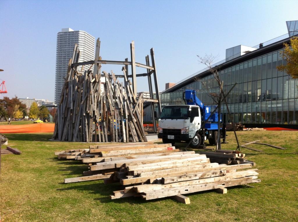 解体工事中の豊洲ドーム